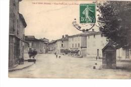 69 TALUYERS  PLACE DE LA REPUBLIQUE VUE DU HAUT ( Pli En Haut ) - Autres Communes