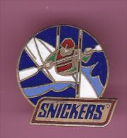 44534- Pin's.Canoe.Kayak.snickers.Alimentation... - Canoë