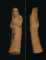 Petite Statuette Religieuse En Terre Cuite Ou Argile  La Vierge Et L Enfant  ??  5.5cm à Identifier - Religion & Esotérisme