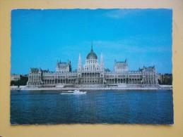 BUDAPEST, PARLIAMENT,brod-ship-navire-barco-schip - Ungheria