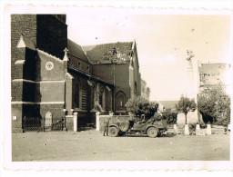 HALEN  WO 2 Foto 9cm/6cm Duits Legervoertuig Aan De Kerk - Halen