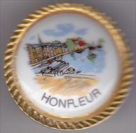 PIN S PORCELAINE BORD DORE DE LA VILLE DE HONFLEUR CALVADOS - Villes