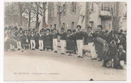En Povence - Farandoleurs Et Farandoleuses De CHATEAURENARD (13) Tambourinaires  (78037) - Unclassified