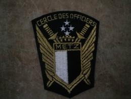 ECUSSON TISSU  CERCLE DES OFFICIERS METZ