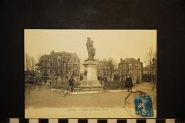 CP, 08, GIVET Place Et Statue Mehul Voyagé En 1920 Ed Jules Lecaillette - Givet