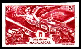 Madagascar Pa 65 10e Anniversaire De La Libération ( Non Dentelé ) - Madagascar (1889-1960)