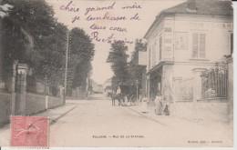 VILLIERS-SUR-MARNE - Val  de  Marne - Rue  de  la  Station - ( Anim�e )