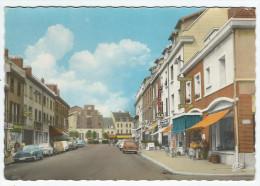 GOURNAY-en-BRAY (76) - Rue De Paris  (Commerces Et Voitures)    -   Cpsm  Gf - Gournay-en-Bray