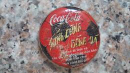 Vietnam Viet nam Coca Cola Footbal used bottle crown cap / kronkorken / chapa / tappi