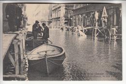 PARIS 75 - INONDATIONS JANVIER 1910 - La Grande Crue De La Seine : Passerelles Rue De Bellechasse - CPA - Seine - Alluvioni Del 1910