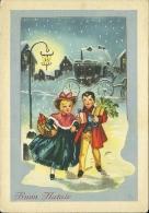 BUON NATALE  Damigella E Damino Portano Regali Agrifoglio Carrozza Lampione Città Innevata - Natale