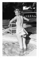 Marilyn Monroe Postcard (1085) - Publisher Pyramid Year 2011 - Size 9x14 Cm. Aprox. - Femmes Célèbres