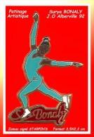 SUPER PIN´S PATINAGE ARTISTIQUE : SURYA BONALIE Tenue BLEUE, Cartouche Bordeau Aux J.O D'ALBERVILLE 92 - Patinage Artistique