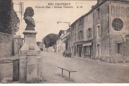 CPA Chatenay, Grande Rue, Statue Voltaire (pk18719) - France