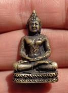 THAILAND: Old Mini Thai Buddha Amulet - Miniature - Arte Asiatica