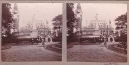 Superbe Photo Du Parc A Coté Du Beffroi De Calais Vue Sur Le Beffroi Femmes Elegantes Juillet 1925 Sous Le Monument - Stereoscopic