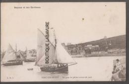 14 - PORT EN BRESSIN--Barques De Pêche Sortant Du Port---beau Plan--BAYEUX Et Ses Environs - Port-en-Bessin-Huppain