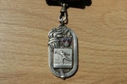 Rare Médaille F.S.G.T - Champion De L'Ile De France 1952-53 - Boules - Jeu Provençal - Pétanque - Bowls - Pétanque