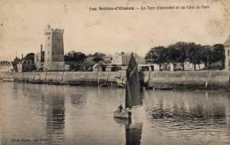 Sables D´Olonne - La Tour D´arundel Et Un Coin Du Port - Sables D'Olonne