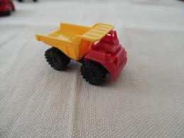 Kinder Ancien :  Camion Benne , Grosskipper 1981 - Mountables