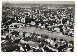 CPSM (79) THOUARS - Vue Aérienne - Place Lavault -(116) - Thouars