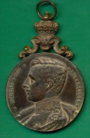 MEDAILLE BRONZE - ALBERT ROI DES BELGES SOCIETE MILITAIRES 1913 - Monarchia / Nobiltà