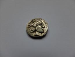 MONNAIE ANTIQUE - REPRODUCTION - GRECE - COLONIE - DRACHME - ARETHUSE - PEGASE - EMPORITON - Fausses Monnaies