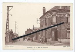 CPA - Hérbécourt - La Rue De Péronne - Café Du Commerce Madame Laine - Andere Gemeenten