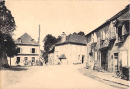 CHAMBOULIVE - PLACE DE LA CHAPELLE - Frankreich