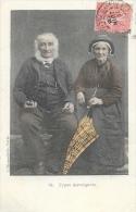 Types Auvergnats - Couple De Vieux - Carte L'Hirondelle N°54 - Europe