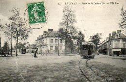 CPA - Le MANS (72) - Le Tram , L'Hôtel Et Le Café-Tabac Au Carrefour Et Place De La Croix D'Or - Le Mans