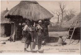 Afrique Occidentale  Intérieur  De Village - Senegal