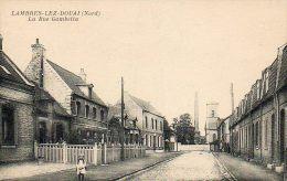 CPA - LAMBRES-lez-DOUAI (59) - Aspect De La Rue Gambetta Au Début Du Siècle - France