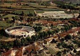 32 - VIC-FERENZAC - Arènes - école - Vic-Fezensac