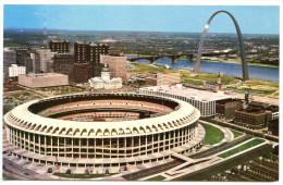 The Busch Memorial Stadium St. Louis Postcard Unused Bb - Stadiums