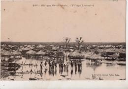 Afrique Occidentale  Village Lacustre - Senegal
