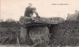 Cpa  29  Toute La Bretagne,porspoder,,le Dolmen De Kerivoret - France