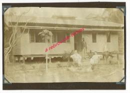 En 1921-MATADI-Congo Belge Photo 2 Sur 8-gros Plan Maison Ingénieur Belge-couple De Belges Et Indigènes - Lieux