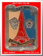 SUPER PIN´S MILITARIA : 22e BM En Bel émail Base Argent + Glaçage Signé REDWICK - Militair & Leger