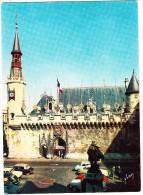 La Rochelle: PANHARD DYNA Z, 2x CITROËN DS, PEUGEOT 203, 3x RENAULT DAUPHINE - L'Hotel De Ville (Char.-Mar., France) - Toerisme
