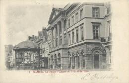 Namur.  -   La Place D'Armes Et L'Hôtel De Ville ;  (licht Kreukje) Namur  1902   Welkenraedt  -   Gand - Namur