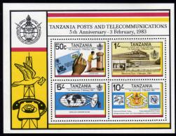 TANSANIA 1983 ** Post Und Fernmeldeamt In Tansania - Block 31 MNH - Post