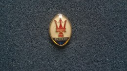 Pin Maserati -P174 - Pin's