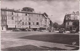 """Drôme :  MONTELIMAR  : Vue   Place  D ' Aygu  Et  """" Tante  Aimée """" - Montelimar"""