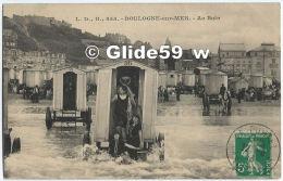 BOULOGNE-SUR-MER - Au Bain (animée) - N° 855 - Boulogne Sur Mer
