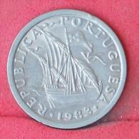 PORTUGAL  2,5  ESCUDOS  1983   KM# 590  -    (Nº11943) - Portugal