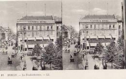 ALLEMAGNE BERLIN LA FRIEDRICHSTRASSE.CARTE STEREOSCOPIQUE BON ETAT - Unclassified