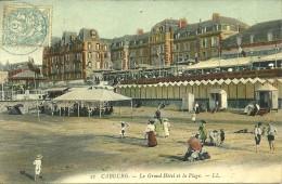 14 Calvados CABOURG Le Grand Hotel Et La Plage Animée Voyagée Voir Le Scan - Cabourg