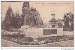 10.aube :  Troyes . Le Monument Aux Morts De La Grande Guerre . - Troyes