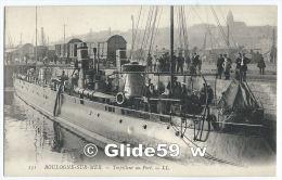 BOULOGNE-SUR-MER - Torpilleur Au Port (animée) - N° 131 - Boulogne Sur Mer